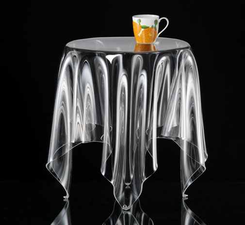 table_grand_illusion_clear_002