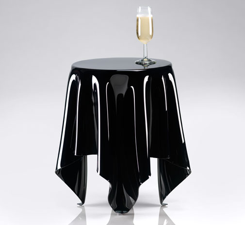 table_illusion_black