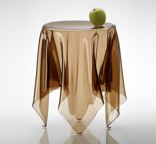 table_illusion_brown