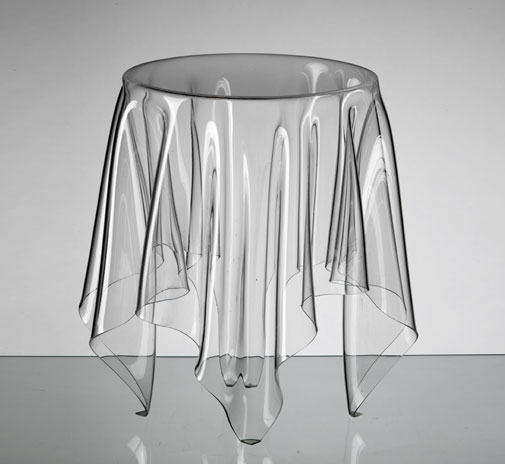 table_illusion_clear