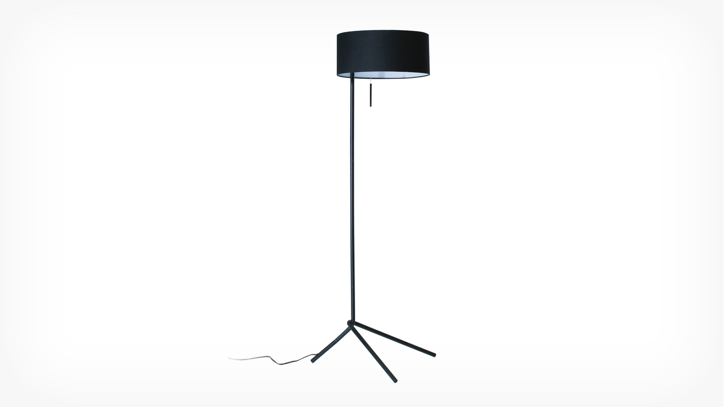 micah-floor_lamp_black_corner