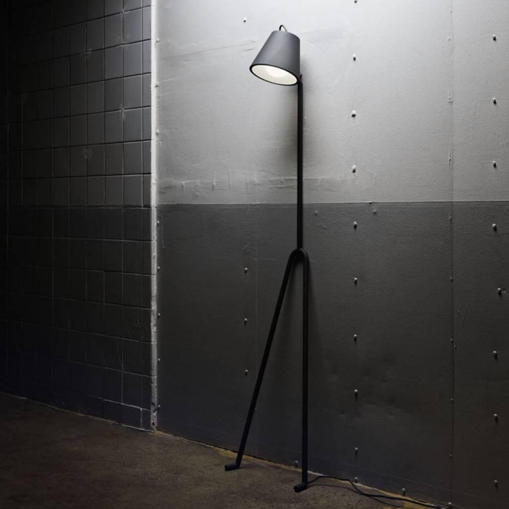 Manana-Lamp-01