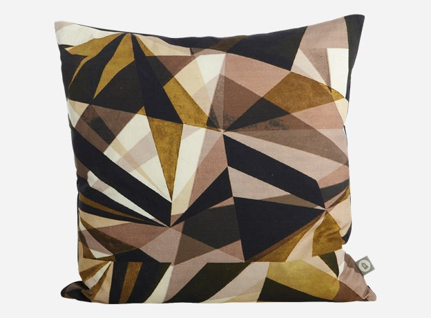 Coussin-House-Doctor-Triangle-2