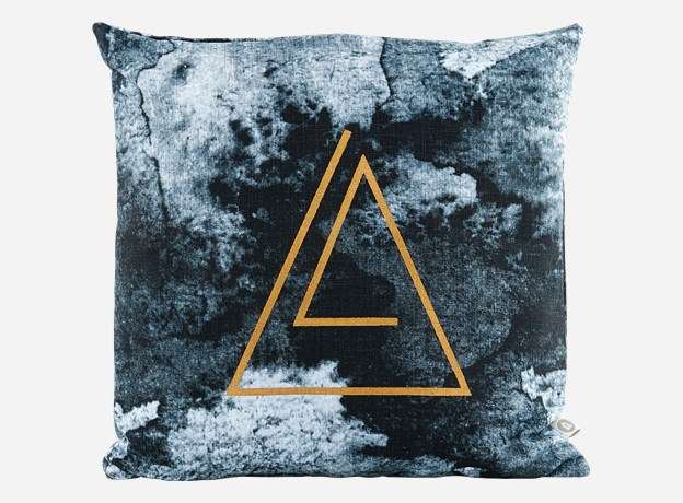 Coussin-House-Doctor-Triangle-3
