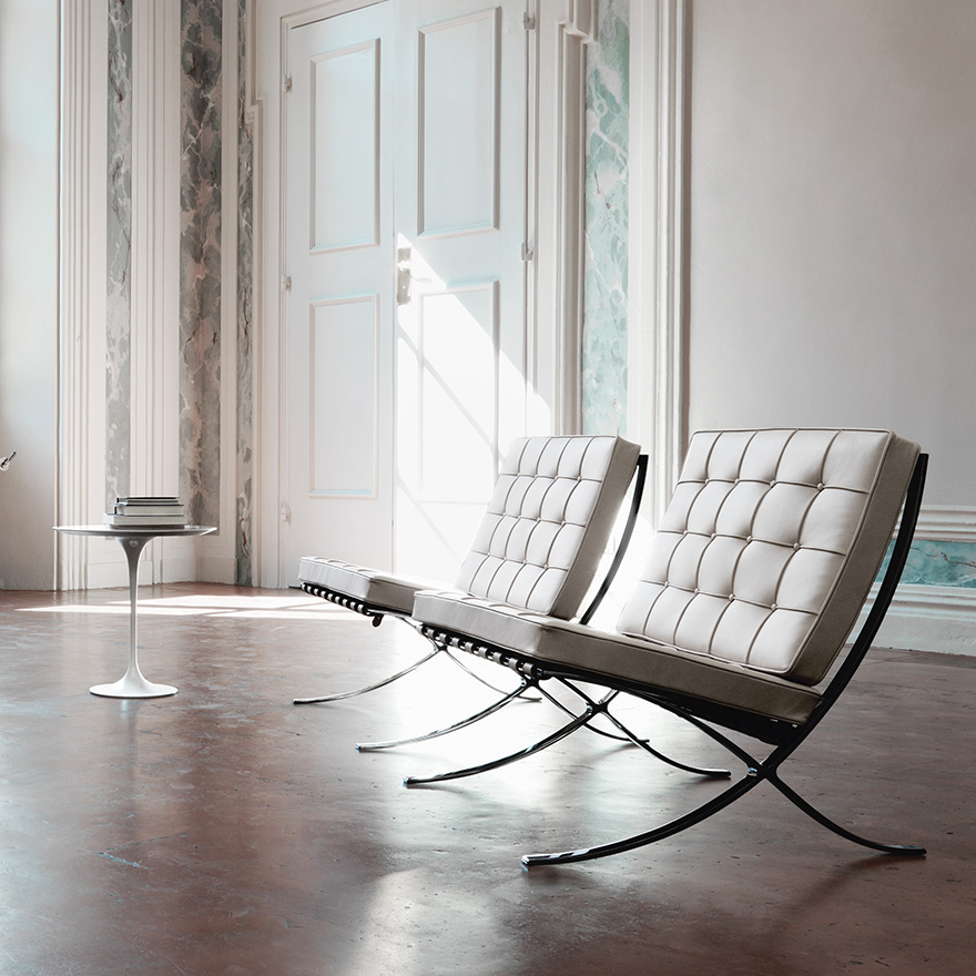 Fauteuil-Barcelona-Chair-Mies-van-der-Rohe-04
