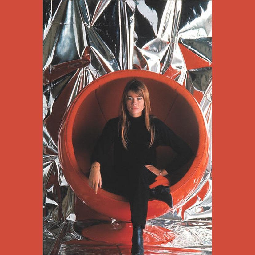 Françoise-Hardy-Ball-Chair