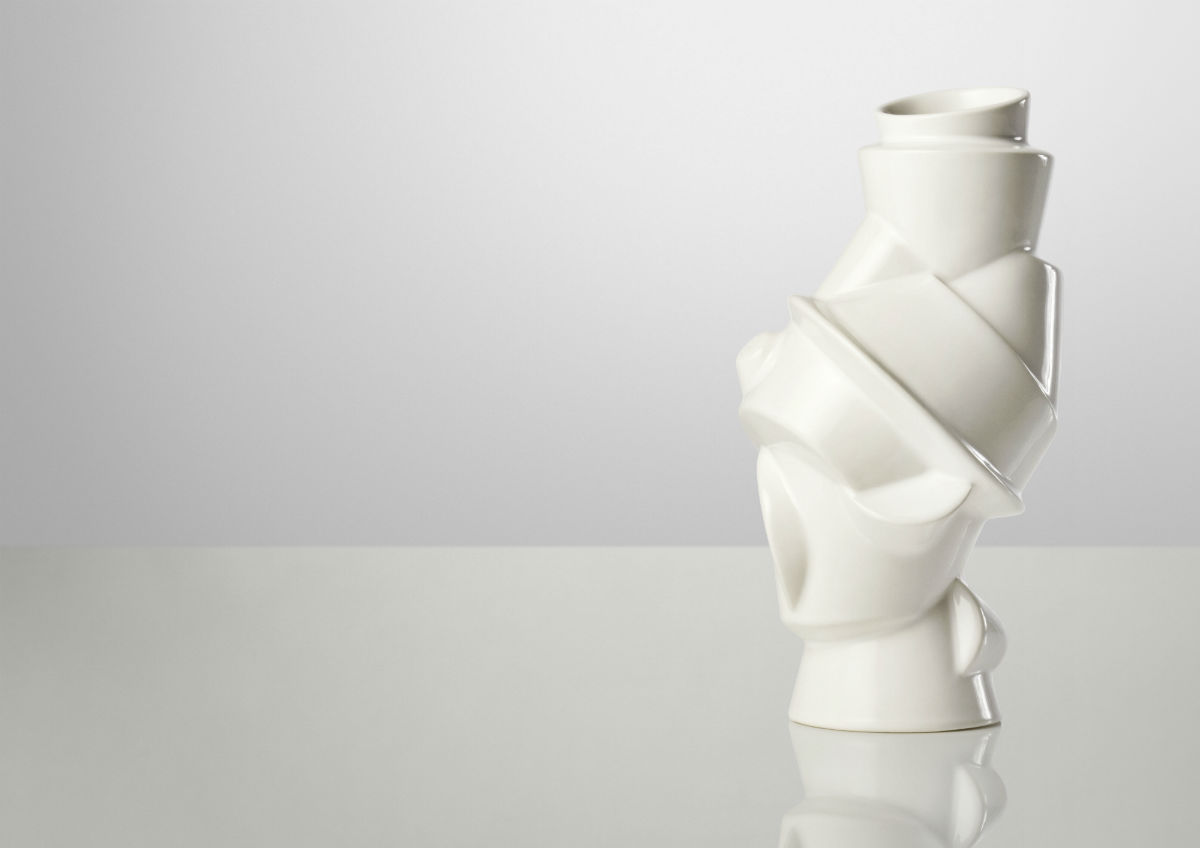 closely-separated-vase-03