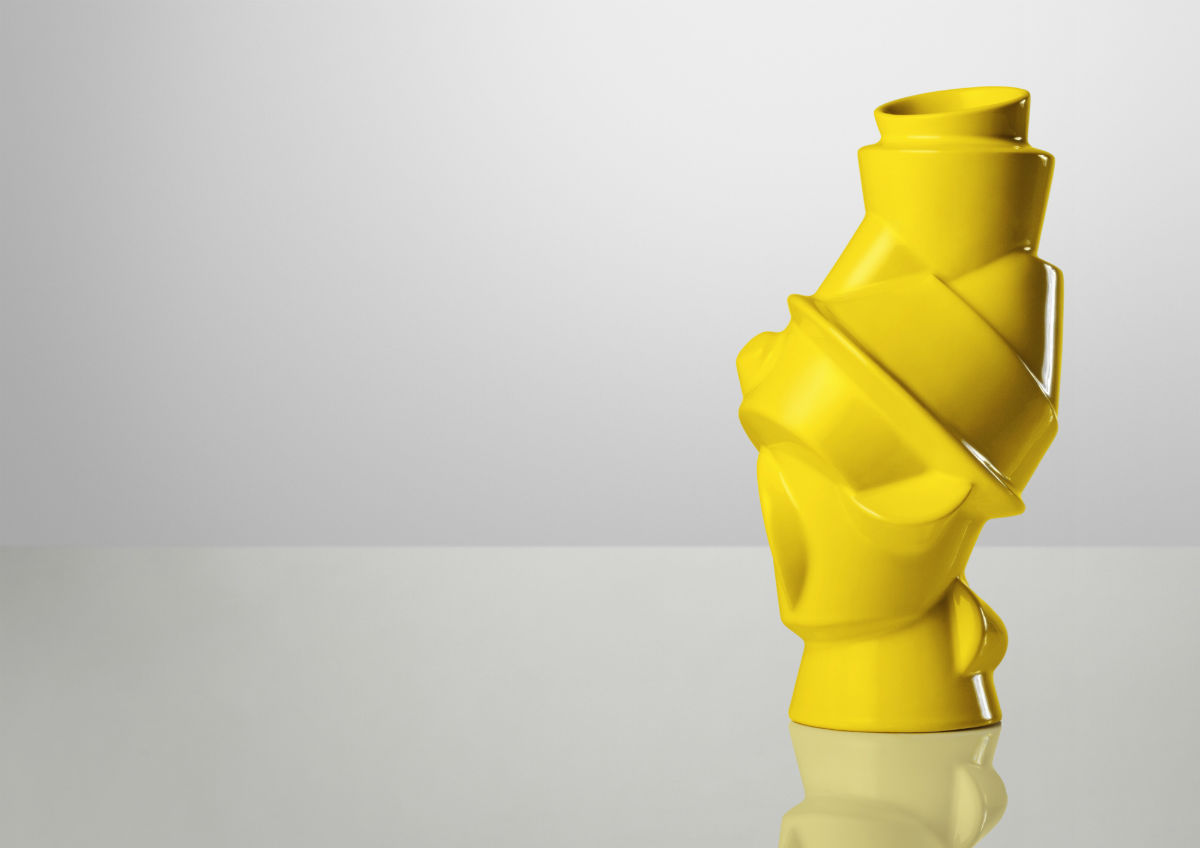 closely-separated-vase-04