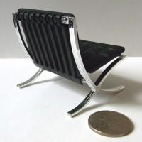 Miniature-Fauteuil-Barcelona-02
