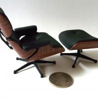 Miniature-Lounge-Chair-Eames-02