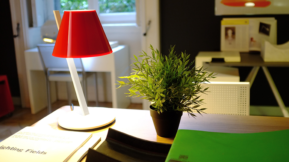 Lampe-design-La-Petite-Artemide-05
