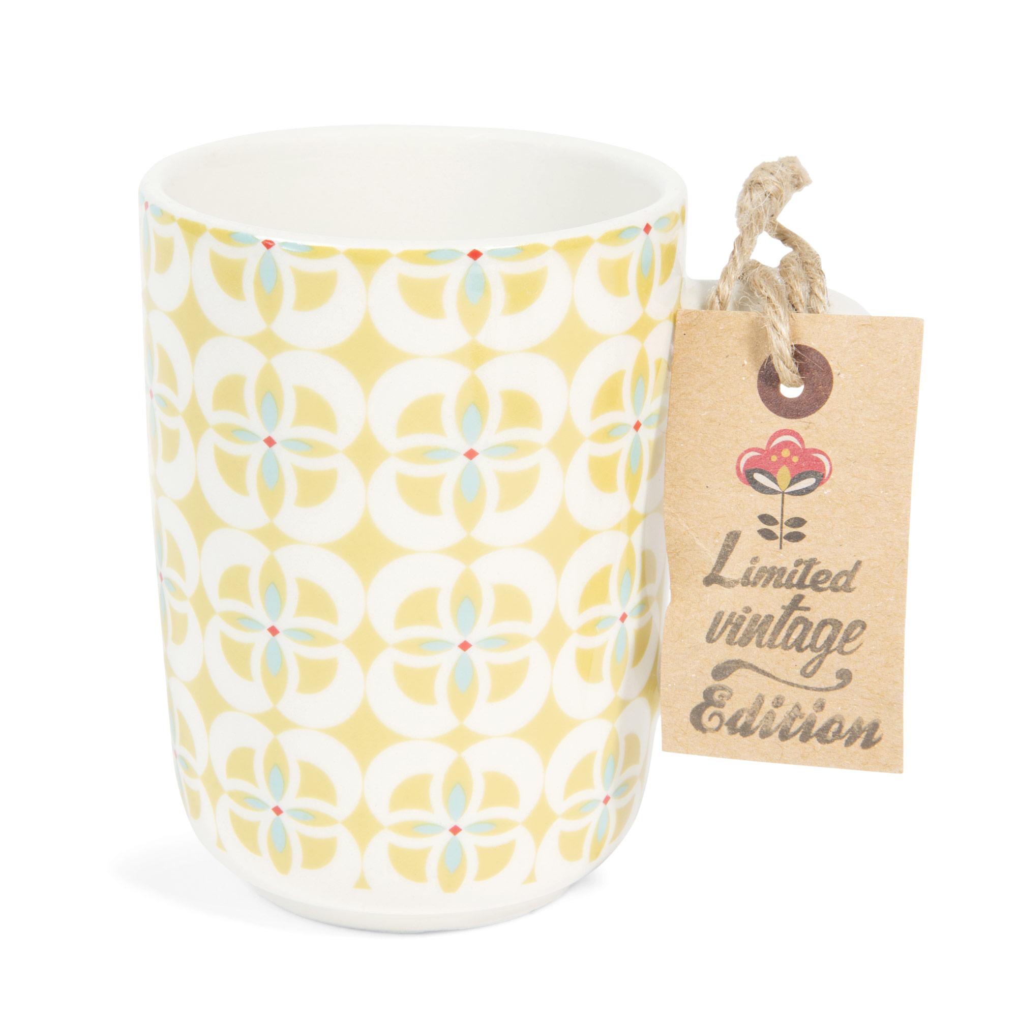 Mug vintage en faïence jaune BRIGITTE