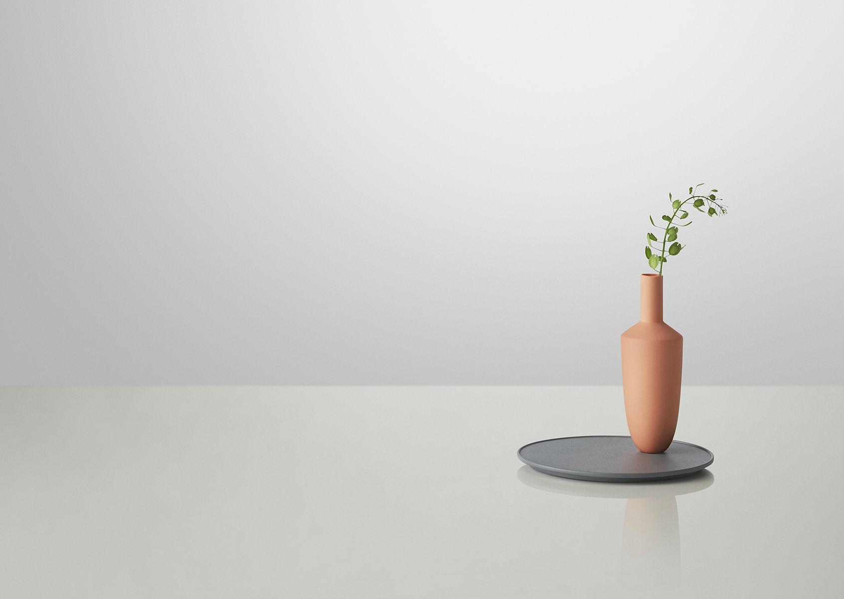 Vase-aimanté-Balance-Muuto-02