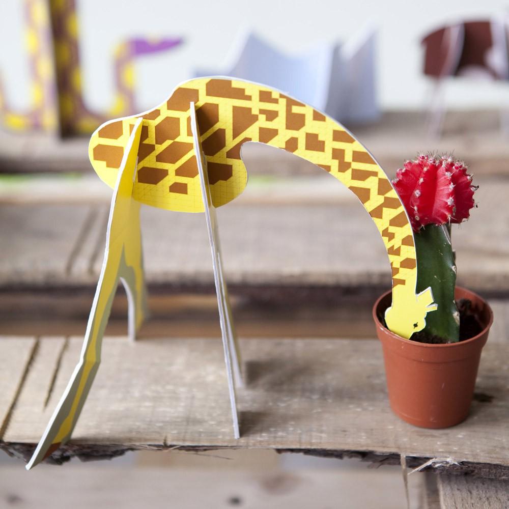 animaux-sauvages-girafe-design-carton-studio-roof