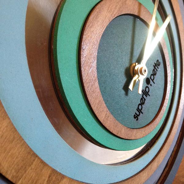 Horloge-murale-design-bois-superlipopette-08