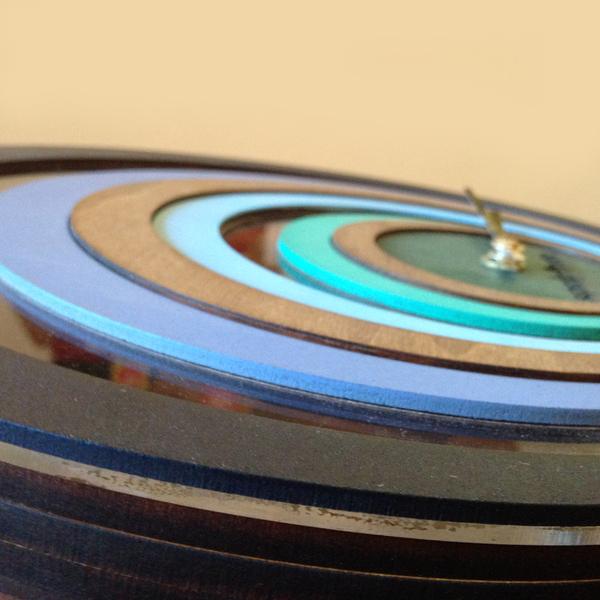 Horloge-murale-design-bois-superlipopette-09