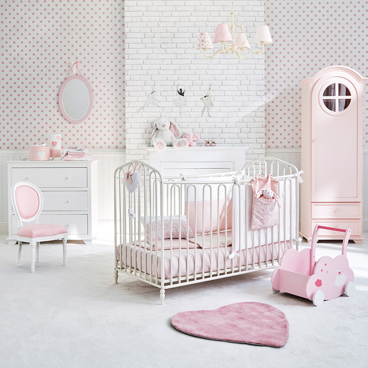 trendy idee deco chambre bebe jaune et gris pour la chambre de b with frise chambre bb fille. Black Bedroom Furniture Sets. Home Design Ideas