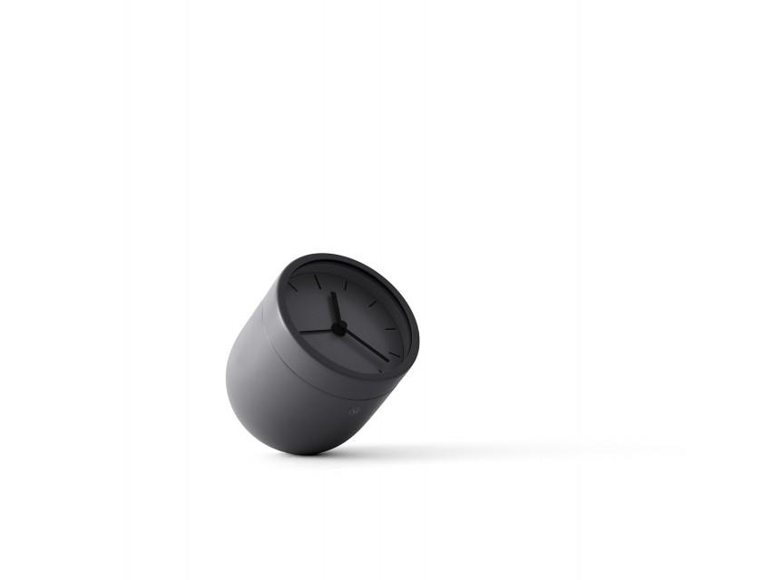 Reveil-design-Norm-Tumbler-noir-01