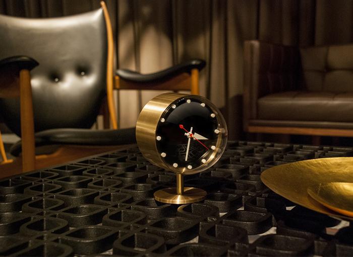 reveil-design-george-nelson-night_clock-01