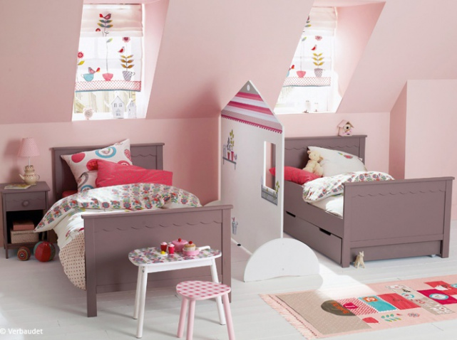 comment am nager une chambre d 39 enfant mansard e guten. Black Bedroom Furniture Sets. Home Design Ideas